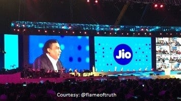 Jio to set in motion data, voice war among telcos: Experts