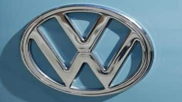 Volkswagen to hold extraordinary board meeting on Wed: Srcs