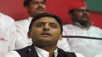 UP Election 2017: Akhilesh reaches out to Mulayam