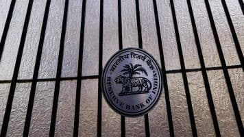 RBI lowers required ratings, minimum ticket size of CPs