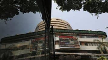 Sensex, Nifty sluggish; Reliance most active, Axis Bank dips 3%